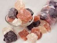 世界の岩塩は減っていく一方ですか? 世界のほとんどの塩は海塩ですよね、ですが数パーセントだけれども岩塩も人類に調味料として利用されていますよね。 岩塩とは地球で唯一の、「食べれる鉱物」でもあるそうで...