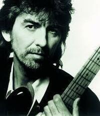 ジョージ・ハリスンのギターソロ下記の曲でどれが お気に入りでしょうか…2曲選んで下さい。 https://youtu.be/kG6oBnISyqA  別でジョージの泣きのギターこれが最高と思われる1曲と リズムが楽しいノリの良い...