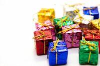 サプライズプレゼント。 既婚独身問わずパートナーがいる男性にお伺いします。  奥様や交際女性の好みって把握していますか。 ケーキやプレゼントなどを一緒にではなく自分だけで選んでサプライズで渡すことはあ...