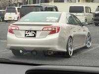 このトヨタ車、車種、年式分かりますか?  一瞬、カムリかと思ったんですが、微妙に違う気がして。