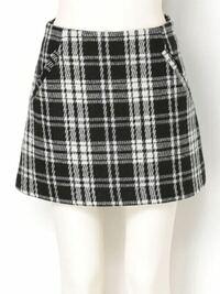 冬用のモコモコ?ふわふわした生地のタイトスカートや台形スカートってどの時期まで着れますか?今は冬だから着れますよね、春とかって何月くらいまで着ててもおかしくないですか?