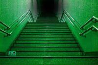 霊。 霊的な体験をしたことがあるなしに関係なくお伺いします。  幽霊っていると思いますか。