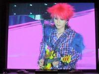 この画像はX JAPANのどのLIVEのhideちゃん衣装ですか? 分かる方よろしくお願い致しますm(❁_ _)m