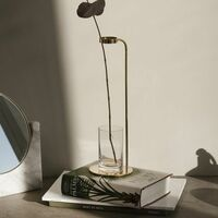 250枚★この写真の花瓶、DIYで真鍮で作るには?  海外有名デザイナーの3万ほどする花瓶。 友達に「これくらいなら、DIYした方が、安くない? 」と言われ そんなことできるのか…と、ご質問しました。  ハンド...