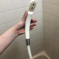 シャワーヘッドを節水用のものに交換したいのですが、どこを回したら外れるのかわかりません。 賃貸アパートです。
