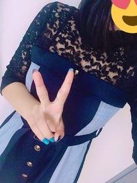 この服どこの服かわかる方いらっしゃいますか…? 似たような服でも大丈夫です お願いします…!!