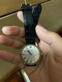 祖父からもらった大切な腕時計です。 こちらの時計の詳細詳しくわかる方いますか? キングセイコーって書いてあります