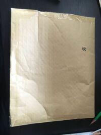 Amazonに返品したいのですが、着払いの送り状はこの大きさの梱包材に貼ってもいいのでしょうか?? ダンボールじゃなきゃダメとかはありまふか?? こちらはポストに入る大きさです…