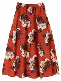 洋服の組み合わせについての質問です。 オレンジ色の花柄スカートと紺のシンプルなブラウスに近い半袖のシャツは組み合わせとして変ではないでしょうか?? スカートの写真はあるのですが、紺のシャツはありません。 回答をよろしくお願いします。