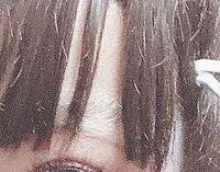急ぎです コスプレをする時に眉毛をスティックのりとコンシーラーで潰しているんですけど、毎回こんな感じに残ってたり肌から孤立しちゃってるんですが対処法や原因を教えてください