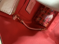 サマンサベガのバッグを買ったのですが、このベルトの使い道が分かりません…教えてください!!