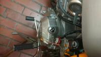 バイク、ジョルカブのエンジンのこの穴は何でしょうか?