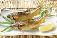 鮎の塩焼きは頭から(頭も) 食べるのが正式なんですか?