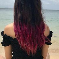 美容師さんに質問です! この髪色で市販の紫いれたら色はいりますか?