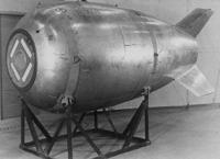 空母機動部隊の中心に 核爆弾おとせばいいのでは?