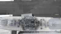 この甲板の白っぽいヶ所は何色で塗装されてますか? エッチング使われてますか?