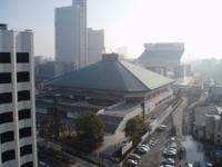 日本テレビ24時間テレビの舞台にもなっちゃった両国国技館は大相撲の舞台だが、鶴竜や白鵬らの優勝額も映ってたけども 優勝額は両国でのモノだけなんでしょうか?  大相撲は大阪と名古屋と福岡でそれぞれ年一行事...