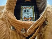 冬物ジャケットのブランドについての質問です! タンスの奥からこのジャケットが出てきたんですけど、どこのブランドか分かるかたいらっしゃいますか??良いものかもわかんないので!宜しくお 願いいたします!