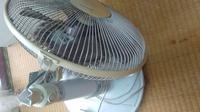 首の折れた扇風機でも、不燃ごみの日に45Lの袋に入っていれば捨ててくれますか?