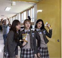 韓国ドラマ A-TEENのみたいな制服はどこで売っていますか? サイトなどを教えて頂きたいです。