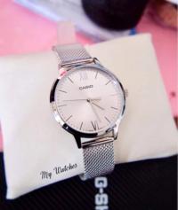 画像の腕時計のお値段がおいくらかご存知の方いらっしゃいましたら教えて下さい。 よろしくお願い致します。