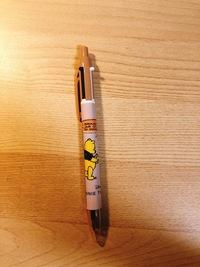 ディズニーランドで購入したボールペンなんですが、このボールペンの替芯って市販で売ってるんでしょうか?