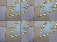 After Effectsでこのように動画を4個複製?して画面に四分割みたいにするのはどうすればいいんでしょうか? #AfterEffects #AE