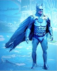 筋骨隆々とした筋骨たくましい筋肉質の滅法強いバットマンの肉体の中で、急所はどこだと思われますか??