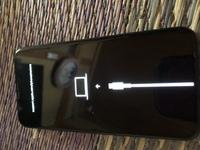 iPhone10sで電源が入らずこのマークが出てきたんですが何でしょうか❓ご存知の方は返信お願いします