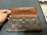 ルイヴィトンの財布なんですがこれはメンズ用ですか?レディース用ですか?