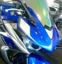 バイクの手入れについて R25のようなバイクの樹脂の輝きを取り戻したいのですが、プラスチックの部分に市販のコンパウンドを使っても大丈夫ですか?輝きを取り戻す最適な方法を教えてください。