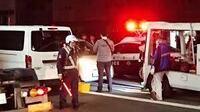神戸山口組の幹部が殺害された事件で逮捕された容疑者は軽自動車に乗ってましたが、 最近の暴力団はベンツじゃなくて軽に乗ってるんですか? 容疑者は52歳だから下っ端ってワケでもないと思うんですが・・・