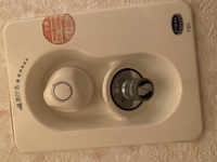 洗濯機の給水ホースの取り付け方を教えてください。 新居で初めて自分で洗濯機を取り付けてみようとやってみました。  アース線はつけられました。 排水ホースの取り付けまでもできました。 最後に給水ホース...
