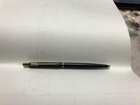 ボールペン好きの方に質問したいです。この写真のボールペンて、高い方ですが?また良いやつですか? (ボールペンの芯にはPARKRE と、書かれています。)