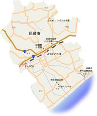 千葉県匝瑳市は市民ですら読めない、書けない人が多いので改称すべきでは? 2006年1月23日に八日市場市と匝瑳郡野栄町が合併し発足しましたが、両社から一字ずつ取って「野八市」などとしておいたほうがよかった...