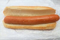 f(^_^)、。このホットドッグには何が足りませんか?  千切りキャベツ、千切りレタス、千切りキャベツのカレーソテー、ザウアークラウト(ドイツの酸っぱいキャベツ)、マスタード、粒マスタード 、マヨネーズ、ケ...