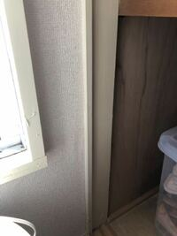 押し入れの壁が濡れてすぐにカビが生えてしまいます。 北側の部屋に押し入れがあるのですが、今の時期は壁の木が濡れて掃除しても1ヶ月経たないうちにカビが生えます。 日中は空気を入れ替えて乾燥させてます。  ...