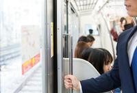 電車の出入り口で降りる時お出口は左側と聞き降りる前に出口を間違った事ないですか?左側なのに右に居た感じ。