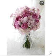結婚式でお願いするブーケのイメージを探しております。  こちらのお花の種類についてわかる方いらっしゃってら教えていただきたいです。