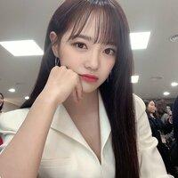 この韓国アイドル、ヨジャドルの名前わかる方いませんか!!お顔がとても綺麗です、、!! K-POP 韓国アイドル ヨジャドル