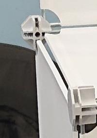 この部品の名称は何でしょうか。  パネルや仕切りを一時的に固定するためのものを探しています。この部品、もしくはこれに似たものでも、代用できそうなものでも構いません。 当方が固定した いものは3mmのア...