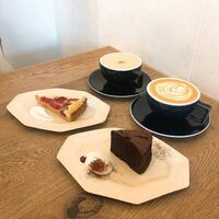 名古屋市でオススメのカフェありませんか?? この写真のような雰囲気に似てると嬉しいです!