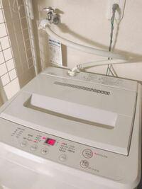 賃貸アパートでもドラム式洗濯機は使えますか? 今使ってるのはこんな感じです。(写真)  ダブルワークをしてる為、職場の制服の洗濯をしていると乾くまでに時間が掛かるのが少し困りものです。 また、普通の洗濯機とドラム式では、やはりドラム式の方が1回の電気代や水道代が多くかかるのでしょうか?