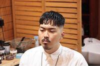 デコ広めハゲではないの高校生がこの髪型をすると変ですか?