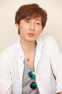 歌謡曲のおはなし。歌謡コーラスグループ・純烈の後上翔太さん(写真)は独身ですが、結婚できるでしょうか。教えてください。