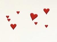 InstagramのGIFでこのハートは何と検索すれば出てきますか? ハート heart など検索しても出てこないので、どなたか教えていただきたいです。  インスタ