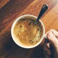 インスタントコーヒーを作るときはカップにお湯を注がれていますでしょうか。 ・ それとも、カップに水を入れて電子レンジでやられていますでしょうか。 いかがでしょうか。