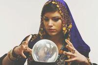 水晶玉を持って占いしている占い師のイメージの国ってどこの国ですか?