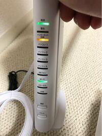 ソフトバンク光のインターネット回線のランプがオレンジ色に点灯して、WiFiが繋がらなくなりました…。スマホのWiFiのマークは問題ないのですが、ネットが使えません。 ソフトバンク光の初期オプションを解約した数日 後からこの状況なのですが、関係はありますか? 詳しい方、原因と対処法を教えて頂けると嬉しいです。