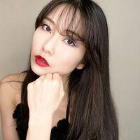 AKB48の横山由依さん。 大人っぽくて可愛いですね!!